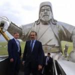 Үкімет басшысы «Шыңғысхан мүсіні» туристік кешенін аралады
