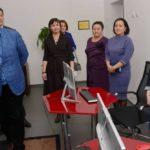 Бақауовтар отбасы өздері білім алған мектебіне «Teacher office» тарту етті