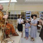 Атырау облысының делегациясы Астанаға Алтын адам мен домбыра коллекциясын апарды