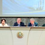 Сенат депутаттары Қыздар университетінің ұжымымен кездесті